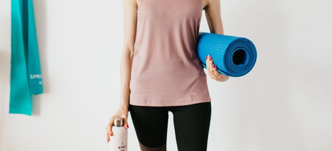 Trzy ćwiczenia, które warto wykonywać rano