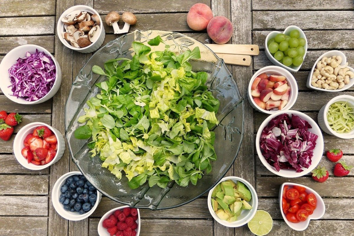 Dieta dla mózgu – co jeść, a czego unikać, aby lepiej myśleć i mieć bardziej otwarty umysł