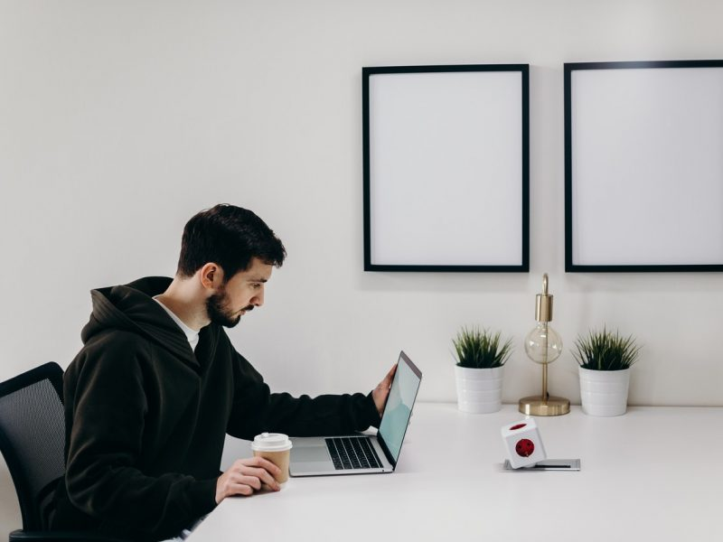 Jak spotykać się online? – webinarium
