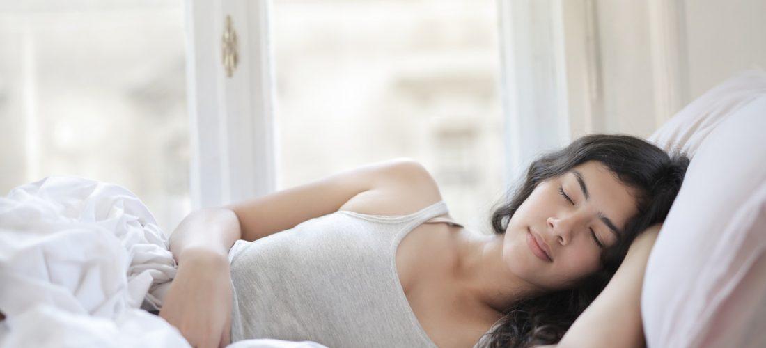 Nie możesz zasnąć? Poznaj sprawdzone sposoby na lepszy sen!