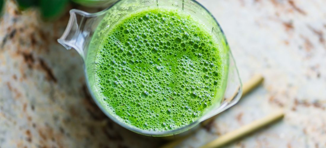 Zielone koktajle – dlaczego warto po nie sięgać?