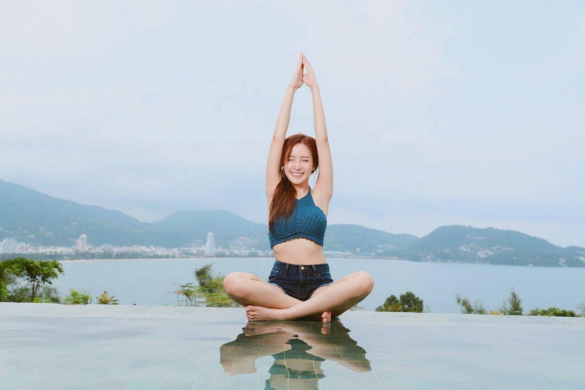 Czym jest bikram joga? Poznaj zalety tych ćwiczeń