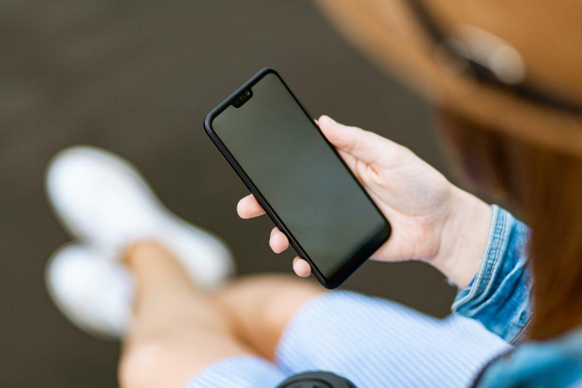 Nie możesz wytrzymać bez telefonu? To może być fonoholizm!
