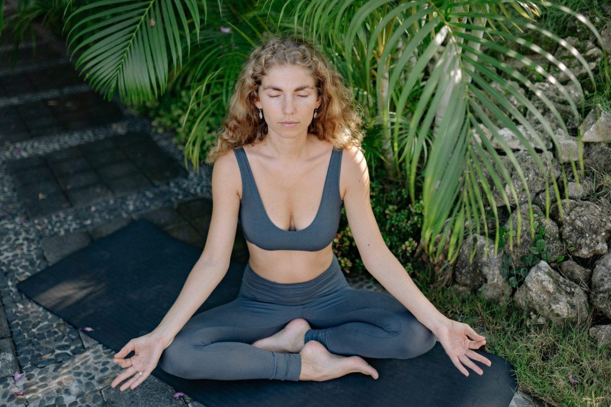 Joga kundalini – na czym polega ten styl ćwiczeń?