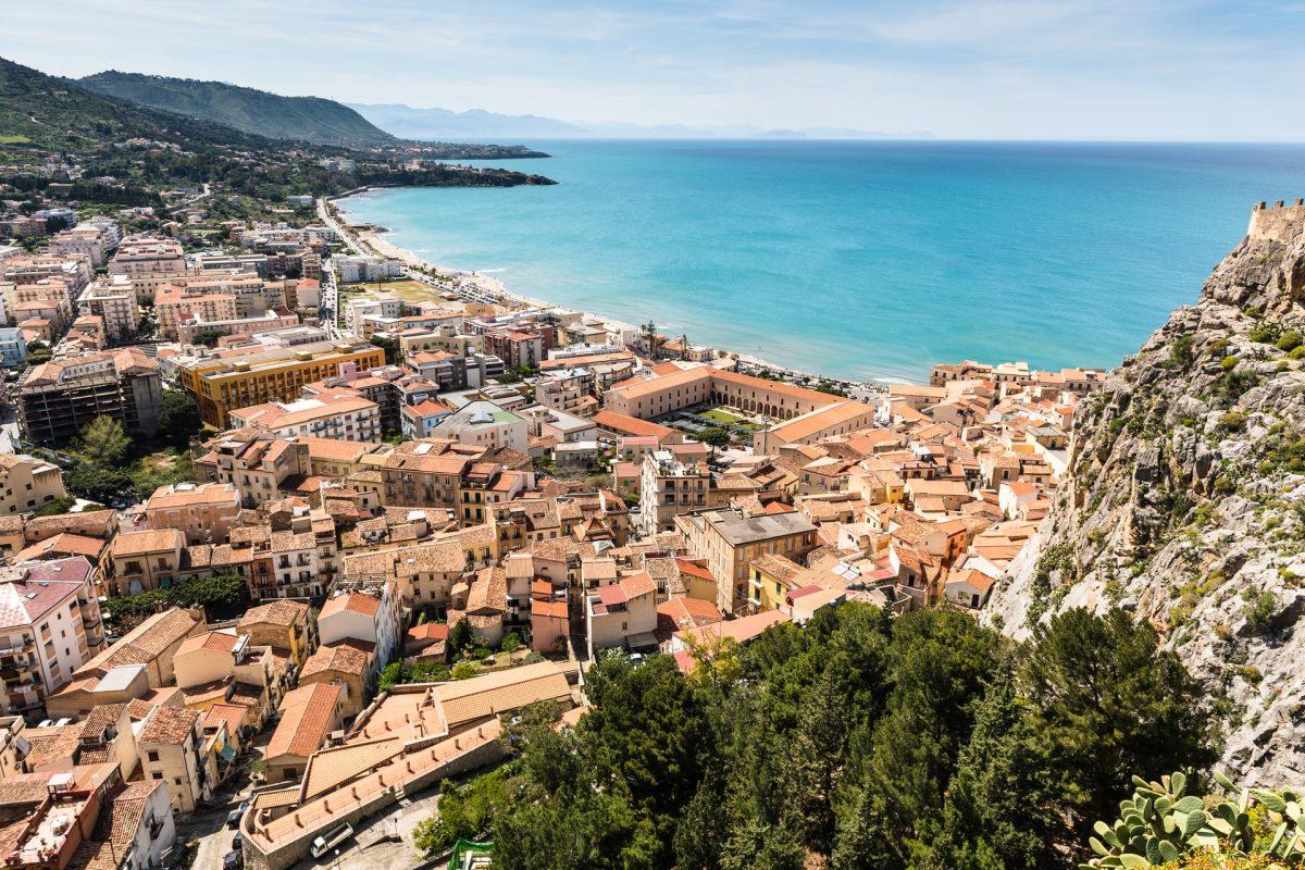 Marzy Ci się dom we Włoszech? Na Sycylii to możliwe już za 2 euro!
